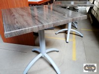 Lot 17 tables bistrot – 70 x 70 – plateau Werzalit
